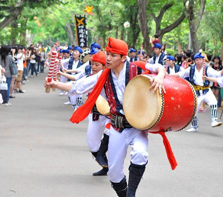 Ryukyu-Kajimaya-drummers